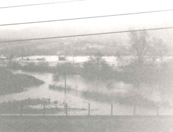 Aberaman 27 12 1979 taken from 1st floor Glancynon ter whole of valley bottom floor flooded